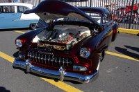 Auto z otwartą klapą