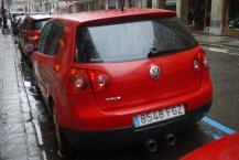 czerwony Volkswagen
